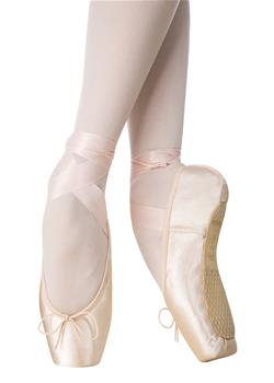 Innovative noise-reducing technology PRO that makes the Pointe shoes quieter.